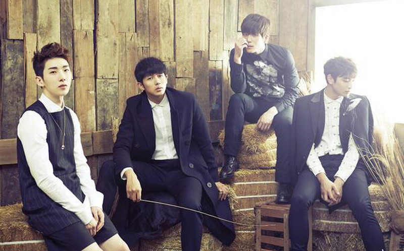 https: img.okezone.com content 2016 07 17 205 1440041 top-music-6-anggota-2-pm-rayakan-8-tahun-debut-oV3UWNG9yq.jpg