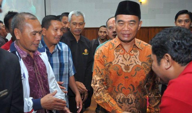 Hari Pertama Kerja, Mendikbud Muhadjir Effendy Gelar Rapim