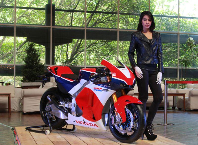 Motor versi jalanan MotoGP Honda RC213V-S akan hadir bersama CBR250RR di GIIAS 2016 (AHM)