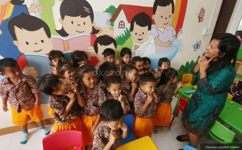 Mendikbud: Pendidikan Harus Melibatkan Keluarga dan Masyarakat
