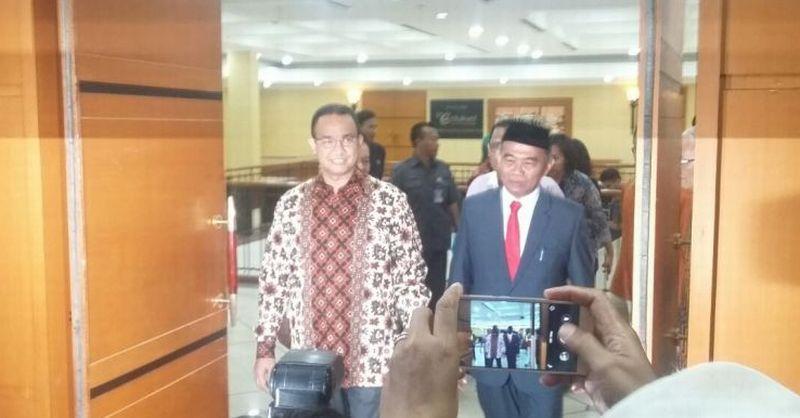 Muhadjir Effendy dan Anies Baswedan Berbalas Puji