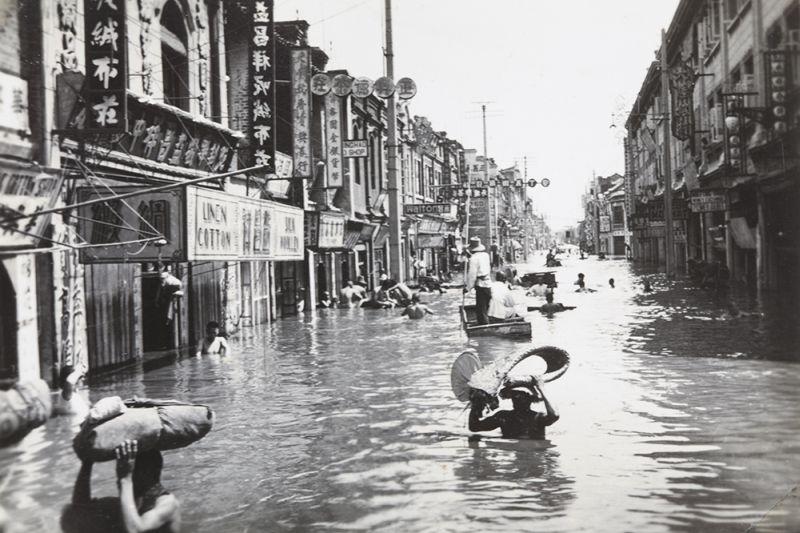 https: img.okezone.com content 2016 08 03 18 1453556 lima-banjir-terparah-sepanjang-sejarah-FOdcvwB2nz.jpg