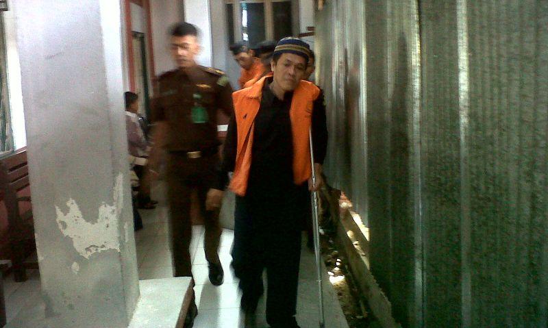 Terdakwa Kasus Pemerkosaan Yuyun di PN Curup (foto: Demon Fajri/Okezone)