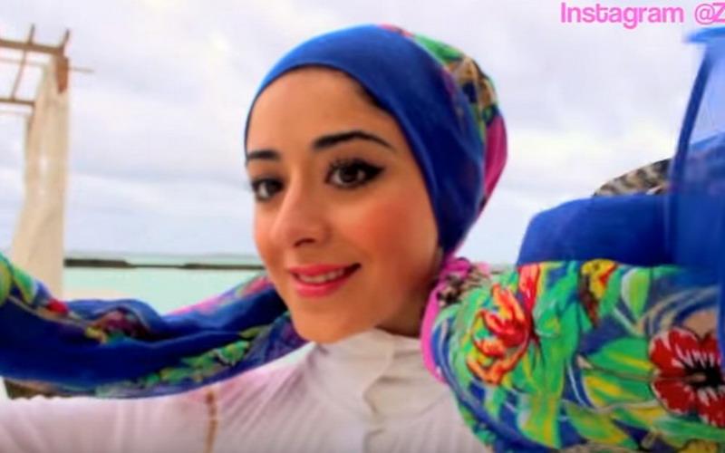 Tutorial Hijab Turban Simpel Untuk Pergi Ke Pantai Okezone Lifestyle