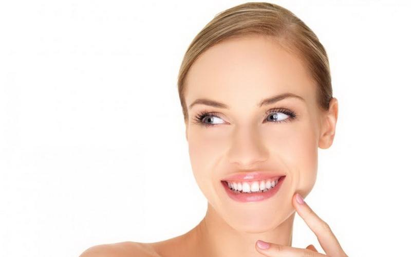 https: img.okezone.com content 2016 08 13 194 1462957 ini-yang-harus-diketahui-soal-pemutihan-gigi-hEYEtcsdjp.jpg