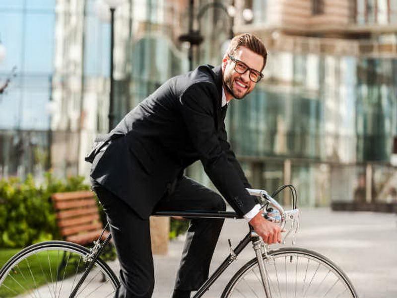 https: img.okezone.com content 2016 08 15 481 1464013 hubungan-berat-badan-dengan-pengendara-sepeda-dengan-pengemudi-mobil-BgjmAzIcby.jpg
