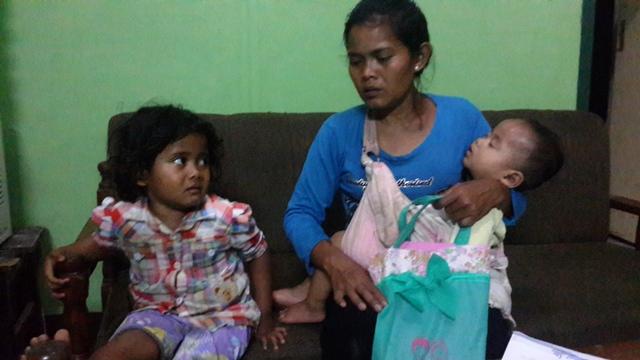 Mencari Suami, Siti dan Kedua Anaknya Terdampar di Purwakarta
