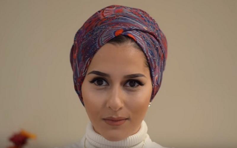 Simak Tutorial Turban untuk Bepergian ala Blogger Hijab