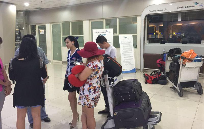 https: img.okezone.com content 2016 08 22 519 1469740 penumpang-gagal-berangkat-karena-bandara-juanda-tutup-ini-tanggapan-garuda-NufLsFcMsN.jpg