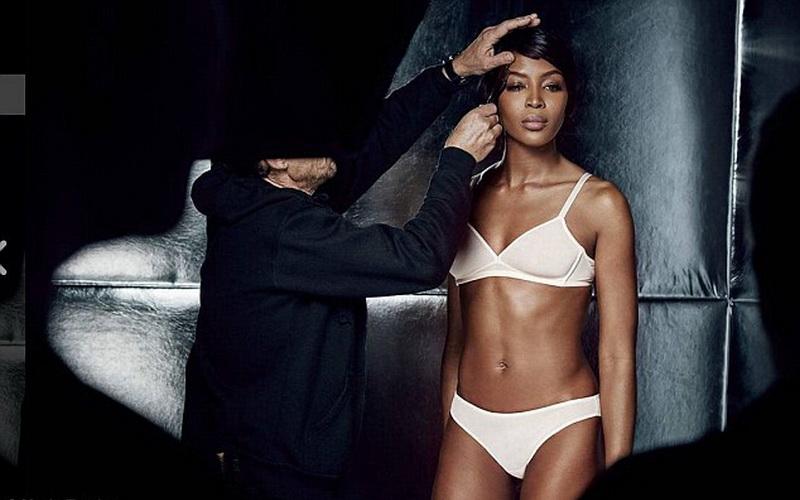 https: img.okezone.com content 2016 08 24 194 1471915 lagi-naomi-campbell-tampil-seksi-jadi-model-iklan-lingerie-tdg8Neptwq.jpg