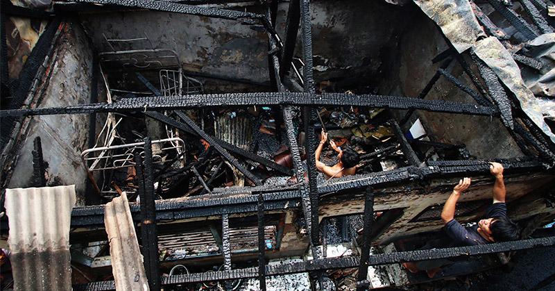Dua Unit Rumah di Kebayoran Lama Terbakar