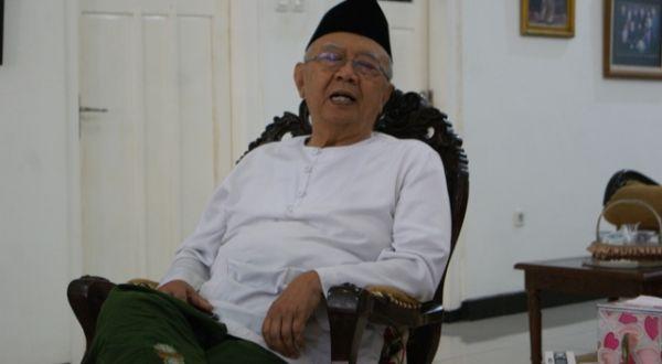 Menteri Rini Senang Kesehatan Gus Sholah Sudah Membaik