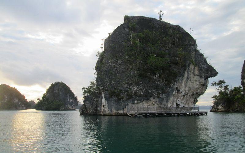 https: img.okezone.com content 2016 08 31 406 1477622 ingin-tahu-30-destinasi-unggulan-wisata-bahari-inilah-daftarnya-hMKynUEU21.jpg