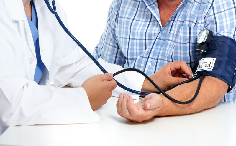 Tekanan darah tinggi dapat merusak pembuluh darah ke seluruh tubuh, termasuk pembuluh darah
