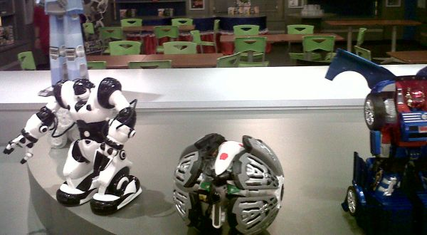 Siswa SD di Gresik Ciptakan Robot Pesumo