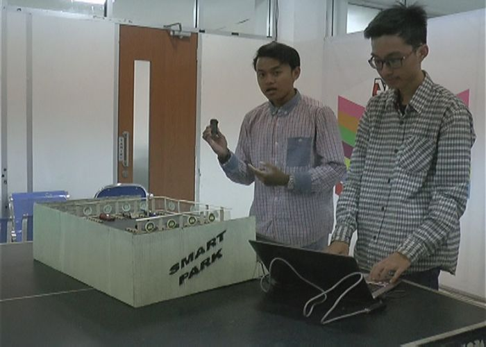 Mahasiswa Semarang Ciptakan Alat Pengontrol Parkir Pakai HP
