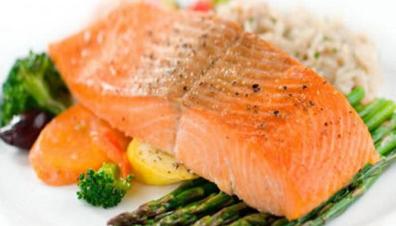 https: img.okezone.com content 2016 09 05 481 1482020 cara-sehat-turunkan-kolesterol-dan-hipertensi-tVGexIqn4S.jpg