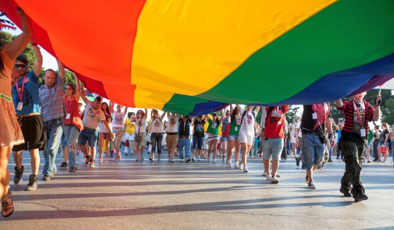 https: img.okezone.com content 2016 09 07 18 1483735 transgender-di-bolivia-dapat-ktp-khusus-a4BiCq6Dhv.jpg