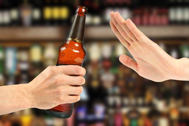 https: img.okezone.com content 2016 09 15 406 1490394 kenali-hukuman-minum-alkohol-saat-travelling-di-negara-orang-elbyBdrAwq.jpg