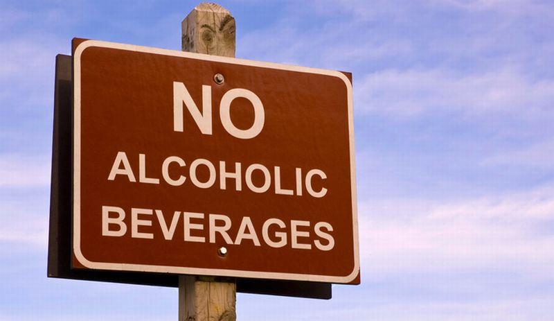 https: img.okezone.com content 2016 09 15 406 1490408 bali-tanpa-alkohol-ini-tanggapan-masyarakat-pulau-dewata-74GTo33F90.jpg