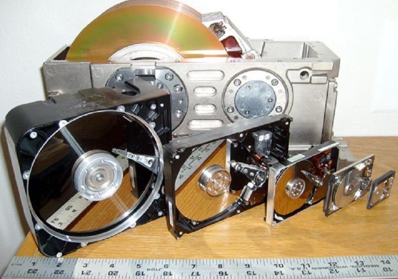 Evolusi Hard Disk dalam Enam Dekade