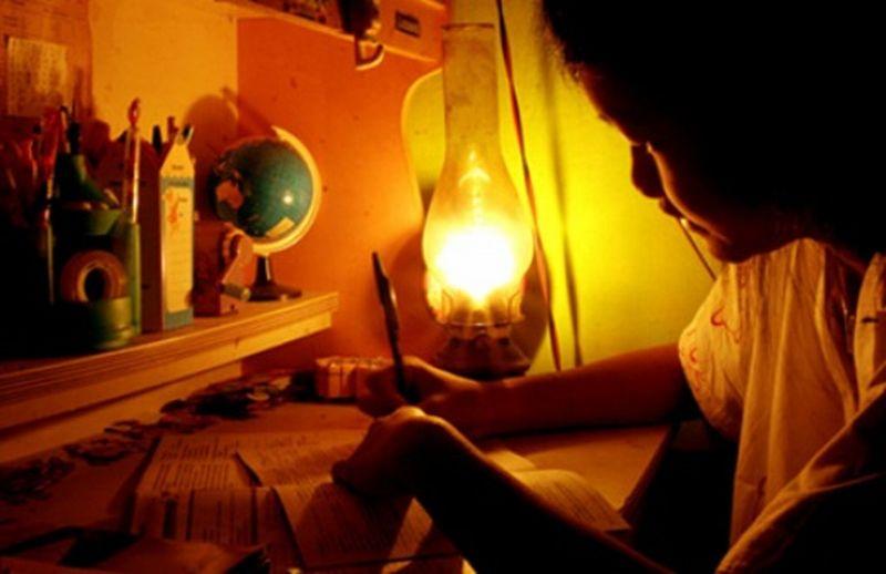 https: img.okezone.com content 2016 09 17 340 1491524 pilih-tinggal-di-indonesia-pengungsi-timor-leste-16-tahun-hidup-tanpa-listrik-4qbgd3yGhy.jpg