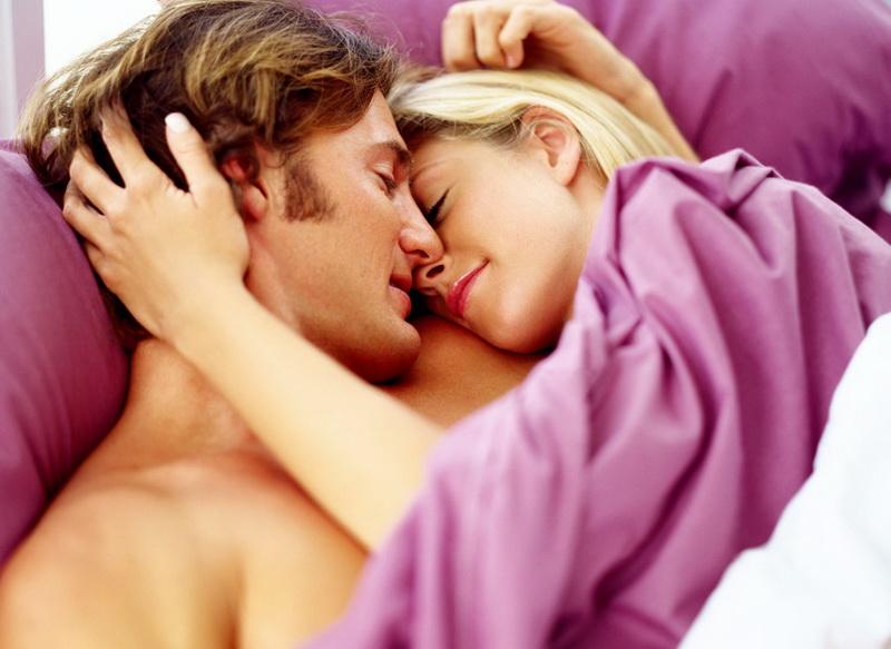 tidur dengan lu menyala buat pria lebih perkasa di ranjang