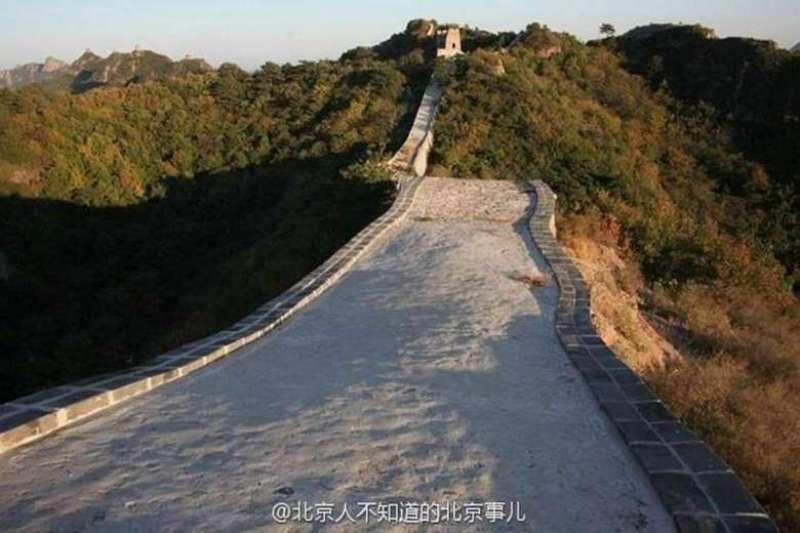 Hasil pekerjaan restorasi Xiaohekou membuat warganet di China marah. (Foto: Weibo)