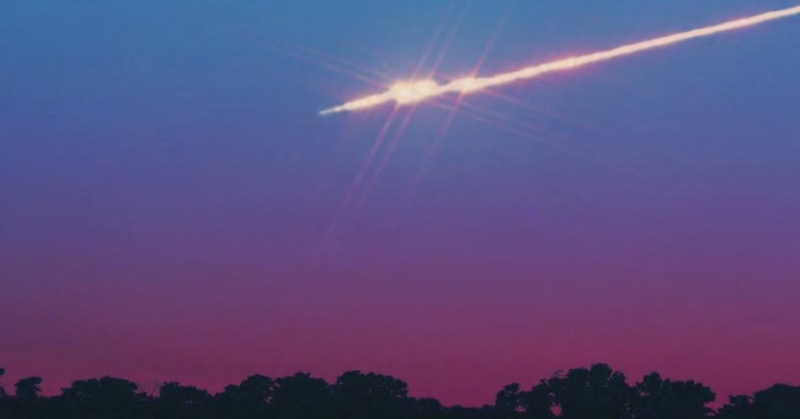 Bola Api Raksasa Hebohkan Warga Pesisir Utara AS