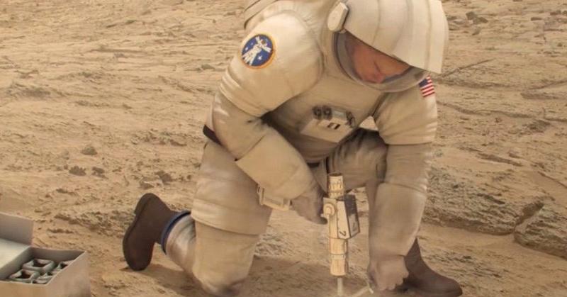 NASA Siapkan Baju Astronot dengan Kemampuan Penyembuh