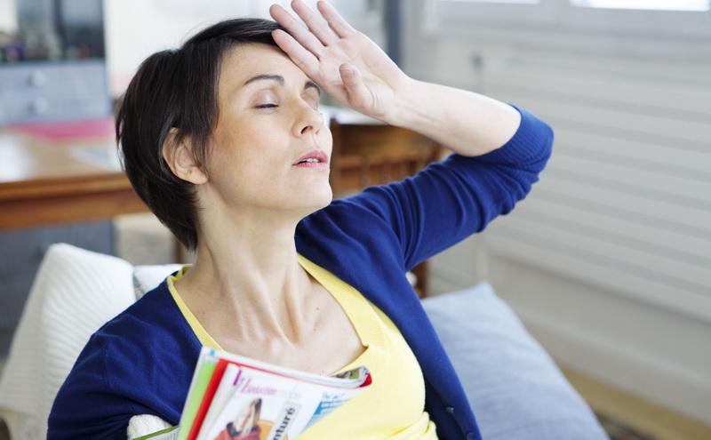 berhubungan intim di usia 40-an dan 50-an akan mengalami menopause yang lebih lambat.