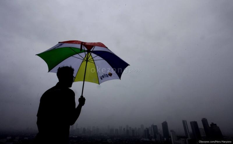 Pagi Berawan, Jakarta Diguyur Hujan di Malam Hari