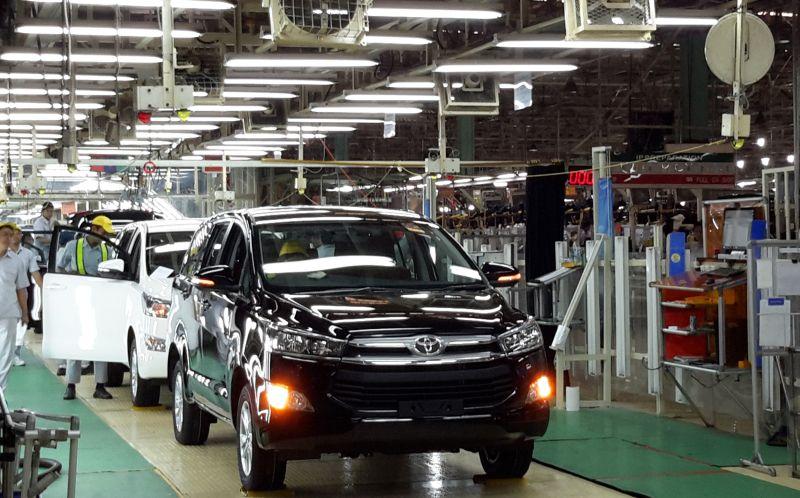 Toyota Innova yang diproduksi di pabrik Karawang akan diekspor ke Maroko dan Argentina (Okezone)