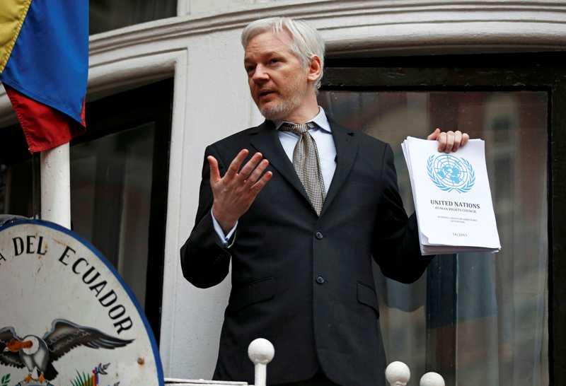 Akses internet Julian Assange di Kedutaan Besar Ekuador di Inggris dibatasi (Foto: Peter Nicholls/Reuters)