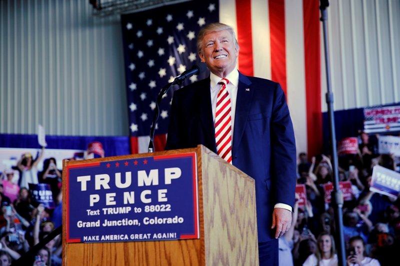 Donald Trump akan membatasi masa jabatan anggota kongres demi mencegah korupsi (Foto: Jonathan Ernst/Reuters)