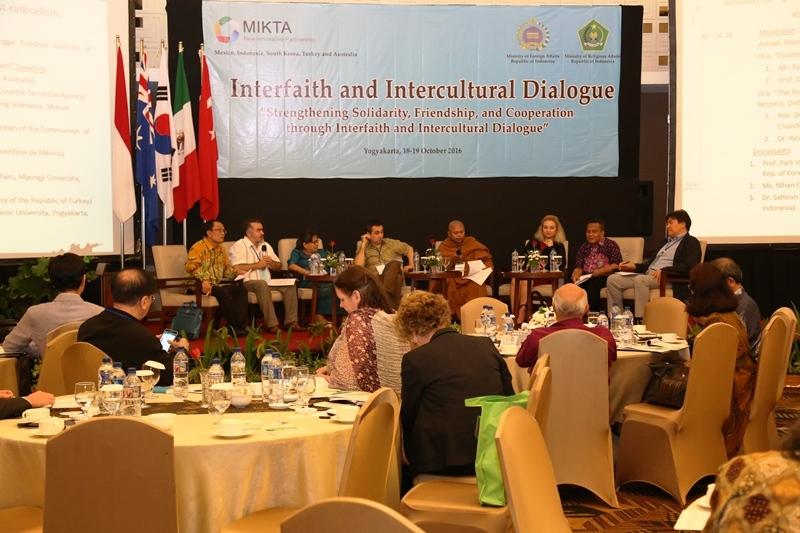 Foto dialog lintas agama dan budaya negara MIKTA di Yogyakarta (Foto: Kementerian Agama Republik Indonesia)
