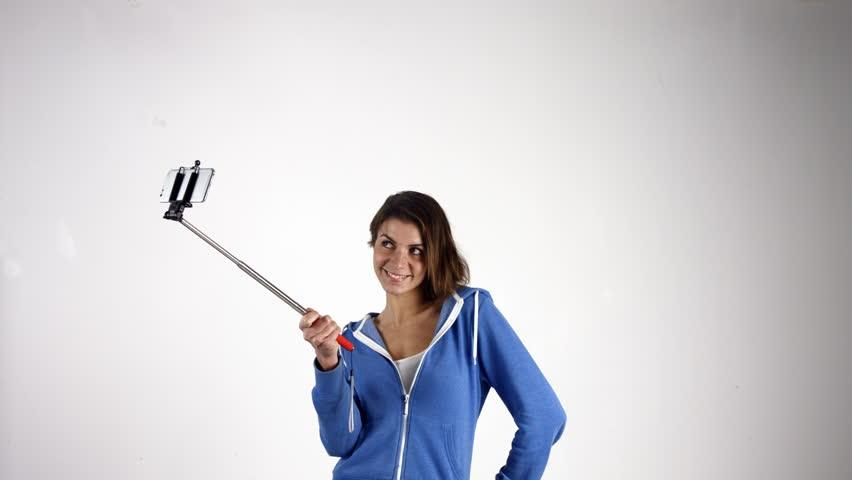 cara ini akan membuat hasil selfie jadi terlihat palsu terlalu direkayasa karena terlalu banyak diedit.
