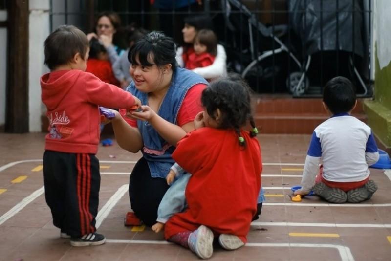 Pernah Dipanggil Monster, Penderita Down Syndrome Jadi Inspirasi Guru