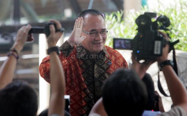 Pemecatan Ruhut dan Hayono Tunggu Pengesahan SBY