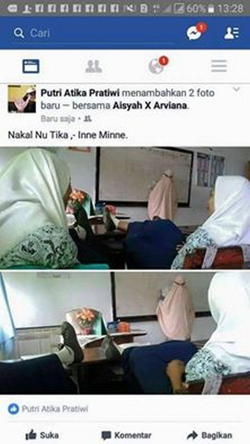 Foto Siswi SMP Angkat Kaki di Belakang Guru Jadi Viral di Facebook