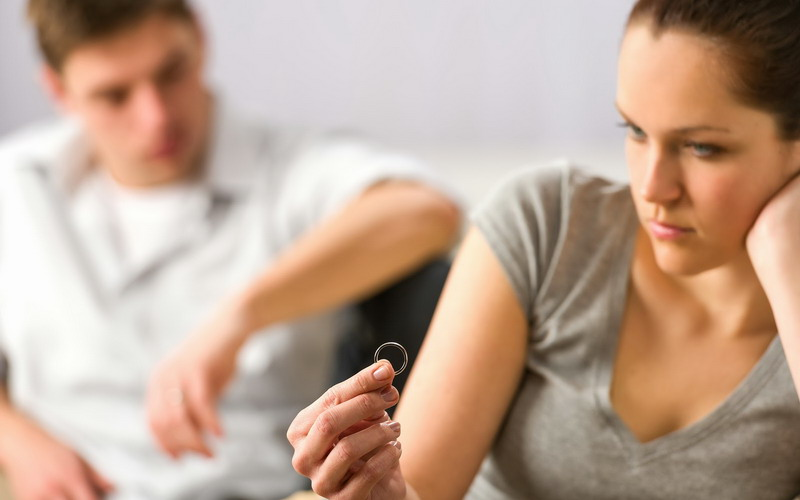 Tiba-Tiba Tak Sejalan dengan Pasangan, Haruskah Berpisah? : Okezone  Lifestyle
