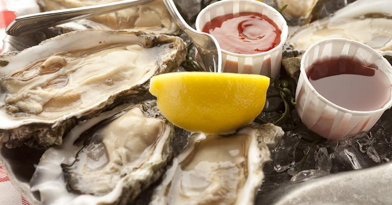 https: img.okezone.com content 2016 11 01 298 1530274 oyster-makanan-afrodisiak-mitos-atau-fakta-l4eyTkYotK.jpg