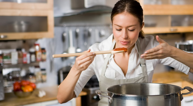 https: img.okezone.com content 2016 11 03 298 1532303 4-pelajaran-sekolah-memasak-bikin-anda-jago-masak-di-rumah-UtwYYJfCff.jpg