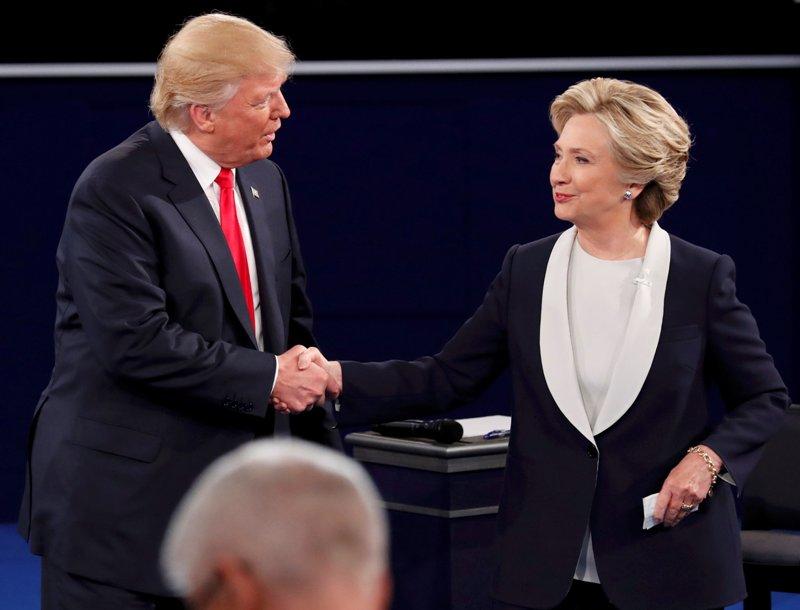Trump-Hillary Lanjutkan Kampanye di Dua Swing States ...