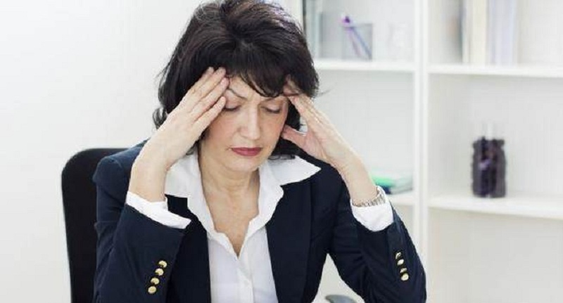 https: img.okezone.com content 2016 11 07 481 1535099 mengalami-menopuse-dini-2-kali-lipat-berisiko-osteoporosis-vDObyvVIoT.jpg