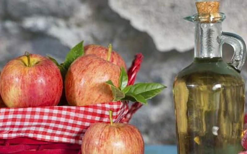 https: img.okezone.com content 2016 11 14 194 1541310 ingin-diet-cuka-apel-perhatikan-ini-sebelum-mengonsumsinya-2wKAE1lUsv.jpg
