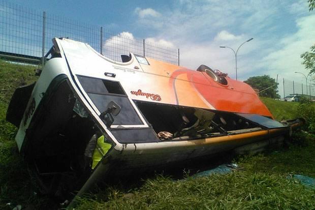 Satu Orang Tewas dalam Kecelakaan Bus di Tol Tangerang-Merak
