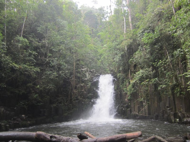 Misteri Di Balik Keindahan Air Terjun Batu Betiang Okezone Travel