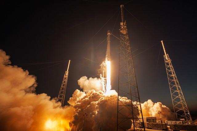 SpaceX Ingin Selimuti Dunia dengan Gigabit Wifi dari Satelit