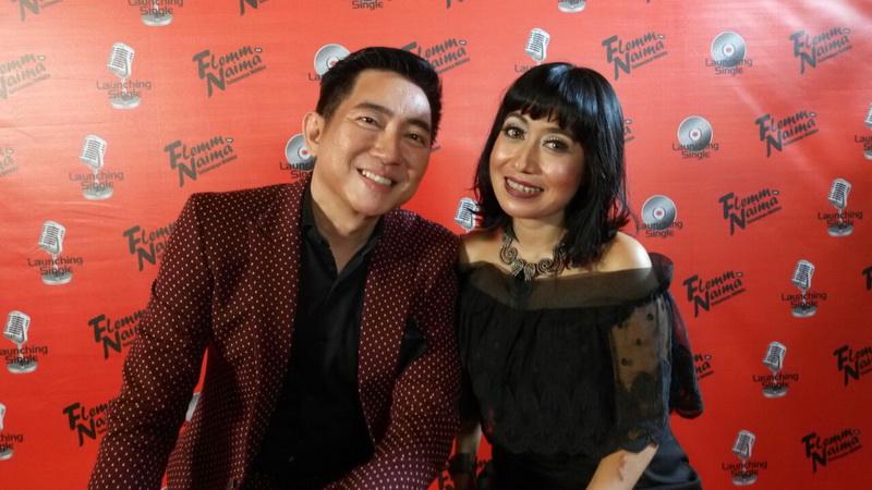 https: img.okezone.com content 2016 11 19 205 1546080 flemming-kolaborasi-bareng-jebolan-indonesian-idol-di-selamanya-milikku-MuVC3LDUsX.jpg